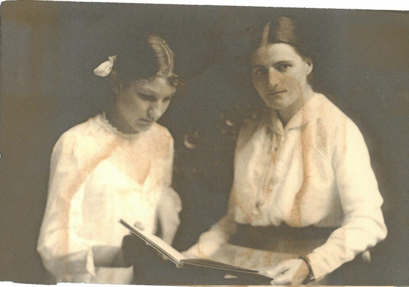 Mme de Holle and unknown person. Photographs from the Hergest Trust Archive and reproduced with their kind permission